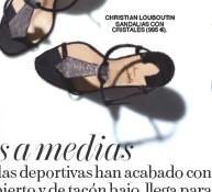 ??  ?? SANDALIAS CON CRISTALES (995 €). CHRISTIAN LOUBOUTIN