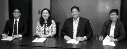 ??  ?? In photo (from left to right) are Philam Life Head of Fixed Income and Corporate Finance J. Vincent R. Daffon, Philam Life CIO Arleen May S. Guevara, AC Energy President and CEO Eric T. Francia, and AC Energy CFO Maria Corazon G. Dizon.