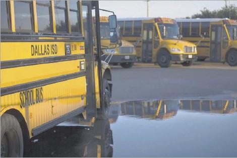 Dallas Isd S New Bus System Turns A Corner Pressreader