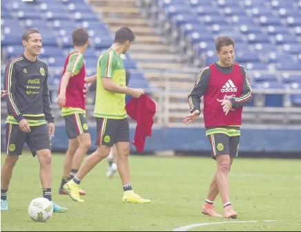??  ?? Su técnico en Estados Unidos sabe que Javier Hernández es una buena opción.