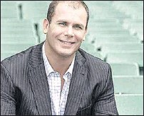??  ?? LAUNCH: Wayne Carey, Sam Kekovich and Brian Taylor will be guests at the United Bright Football and Netball Club's seasons launch at the Alpine Hotel.