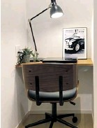 ?? IMAGES: KI STAR REAL ESTATE ?? ▼ The office's interior, which comes complete with a basic desk and power sockets