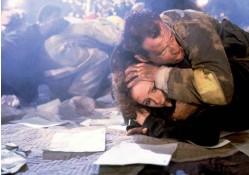 ??  ?? «Jungla de cristal», para muchos la mejor película de acción jamás realizada..., y, también, el mejor film navideño de la historia.