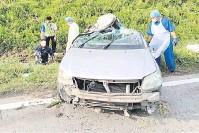 ??  ?? TERBABAS: Kereta yang dinaiki mangsa remuk dalam kejadian kemalangan di Kilometer 36 Jalan Beluran - Telupid.