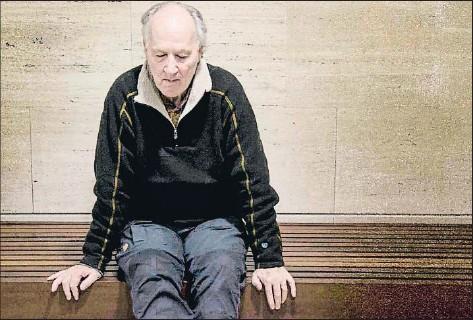 ?? INMA SAINZ DE BARANDA ?? El cineasta Werner Herzog fotografiat ahir a la nit al festival Kosmopolis del CCCB
