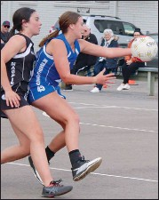 ??  ?? Isabel Bush moved swiftly on court in the under 17's match.