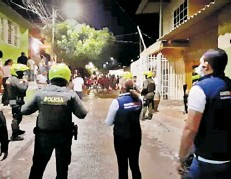 ??  ?? Operativos en los barrios de Santa Marta.