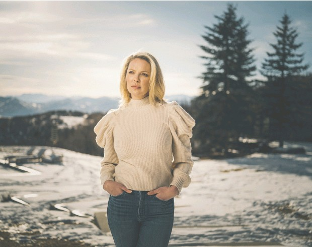 ?? CHAD KIRKLAND / THE WASHINGTON POST ?? Katherine Heigl maintains her balance by staying firmly rooted at home in Utah when she's not working.