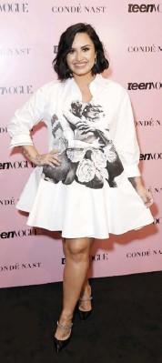 ??  ?? La cantante Demi Lovato (28) disfrutó por varios años de su soltería, pero se acaba de comprometer con el actor Max Ehrich