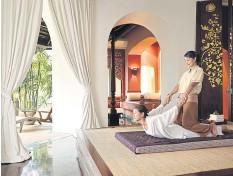 ??  ?? Traditional Thai massage at the Four Seasons Resort Chiang Mai.