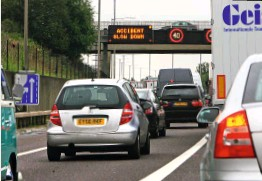 ??  ?? Using the hard shoulder as an extra lane poses a risk in an accident or breakdown