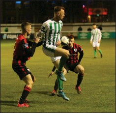 ??  ?? Bray's Gary Shaw in ac­tion against Long­ford Town at the Carlisle.