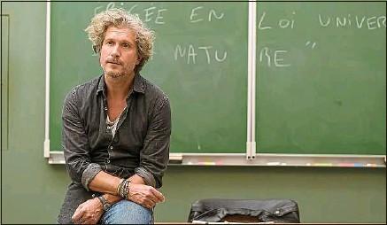 ??  ?? Benjamin Rousseau (Charlie Dupont), brillant et charismatique en classe, immature et irresponsable dans sa vie privée.