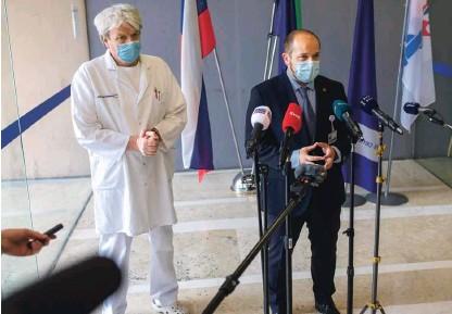 ??  ?? Generalni direktor UKC Ljubljana Janez Poklukar je povedal, da so dosegli zgornjo mejo načrtovanih zmogljivosti v primeru epidemije.