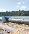 ?? FOTO: EL HERALDO ?? El agua de las represas se distribuye cada dos o tres días.