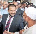 ??  ?? Minister Bathiudeen surrounded by his supporters at the Supreme Court premises yesterday. Pic by Kushan Pathiraja
