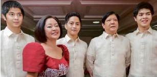 ?? JILSON SECKLER TIU ?? SEN. BONGBONG Marcos with his family