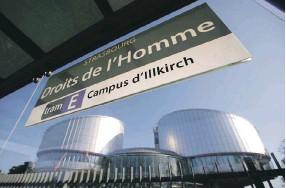 ?? Фото Reuters ?? Две некогда братские страны будут выяснять отношения в Страсбургском суде.