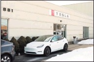 ?? Christian Abraham / Hearst Connecticu­t Media ?? Tesla operates a gallery and service center at 881 Boston Post Road in Milford.