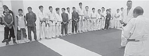 ??  ?? La fermeture d'une salle de judo suscite l'indignation des sportifs