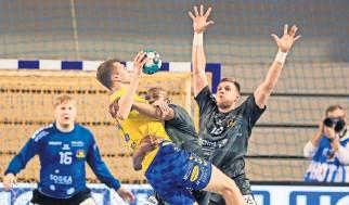 ??  ?? W Kielcach gracze Nantes zatrzymali Władzisława Kulesza i spółkę, odrabiając straty z pierwszego meczu we Francji.
