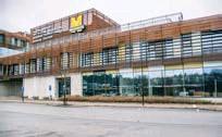 ?? FOTO: MOSTPHOTOS ?? I måndags fick eleverna på Väsby nya gymnasium delvis gå tillbaka till undervisning i klassrummen.