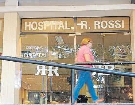 ??  ?? Hospital Rossi. Los médicos denunciaron que hubo ocho cortes de luz.
