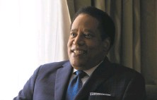 ?? Nina Riggio / The Chronicle ?? Radio talk show host Larry Elder was left off the initial roster of candidates vying to oust firstterm Gov. Gavin Newsom.