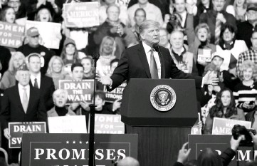 ??  ?? President Trump speaks to supporters at the Atlantic Aviation Hanger in Moon Township, Pennsylvania. Trump renewed his demand that the EU halts its trade barriers to US products in order to spare his allies new steel and aluminum tariffs. — AFP photo