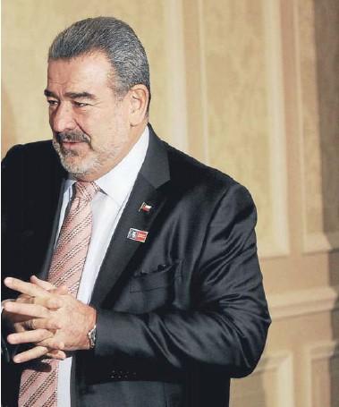 ?? FOTO: ANDRES PEREZ ?? ►► Luksic lideró la junta de Quiñenco junto al gerente general, Francisco Pérez Mackenna.