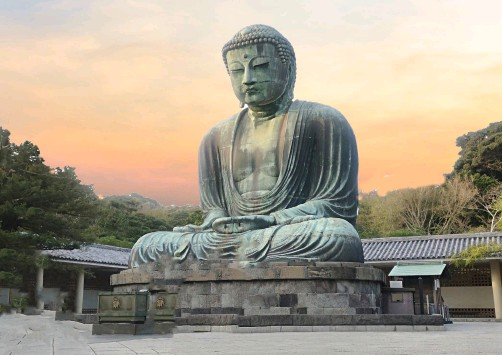 ?? IMAGES © SHUTTERSTOCK ?? BELOW The Great Buddha of Kamakura is a large bronze statue of Amitābha, located on the temple grounds. Including the base, it measures 13.35 metres (43.8 ft) tall and weighs approximately 93 tonnes (103 tons), Kōtoku-in, Japan