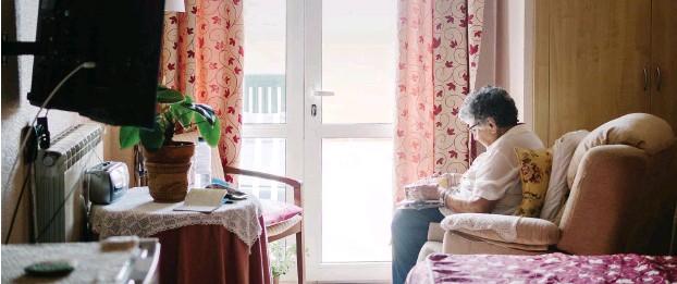 ?? Foto: Photocase/Addictive Stock ?? Ältere Menschen vereinsamen während der Coronakrise.