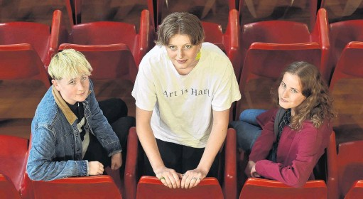 ?? PHOTO: GREGOR RICHARDSON ?? High achievers . . . Former Otago Girls' High School pupils (from left) May Cavanagh (18), Sylvia Otley (17) and Ambryme Guergoua (17) each gained the top mark in their respective 2020 New Zealand Qualificat­ions Authority scholarshi­p examinatio­ns.