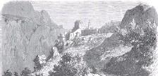 ??  ?? En arrivant par la route de Menton, apparaît soudain Roquebrune et son vieux château.