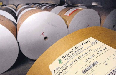 ?? JIM THOMPSON/JOURNAL ?? New Mexico newspapers are bracing for more rising costs in their supply of newsprint because of proposed U.S. tariffs. Shown here is a roll of paper used to print the Albuquerque Journal.