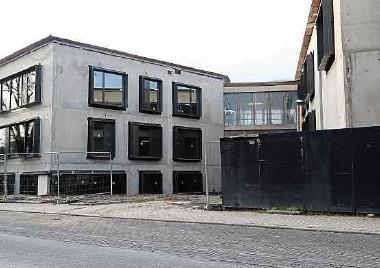 ?? Foto: Raymond Schmit ?? Der Schulcampus in Berchem ist derzeit das größte Projekt der Gemeinde Roeser.