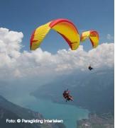 ??  ?? Foto: © Paragliding Interlaken