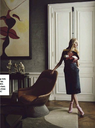 Lauren Santo Domingo In Her Reception Room Wearing Sequined Dress 1 920 Emilia Wickstead Earrings Own Left A Marc Quinn Sculpture The Dining
