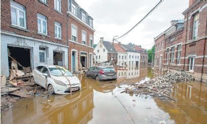 ?? AFP ?? Lieja, en Bélgica, también sufrió los efectos del temporal.