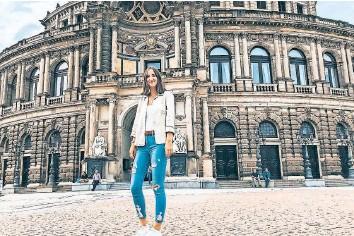 ?? FOTO: PRIVAT ?? Damals noch Touri, schon bald Dresdnerin: Studentin Sophia Fernandez vor der Semperoper.