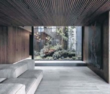 ?? CONRAD BROWN ?? Vancouver penthouse apartment designed by Leckie Studio featuring an internal courtyard.