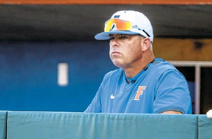 ?? MCCULLOUGH/AP GARY ?? Florida head coach Kevin O'Sullivan's Gators won five games in seven days, including a sweep of Missouri during the span of 24 hours.