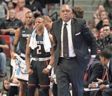 ?? MICHAEL C. JOHNSON, USA TODAY SPORTS ?? Coach Tubby Smith and Texas Tech got a big victory Feb. 17, when the Red Raiders upset then-No. 3 Oklahoma.
