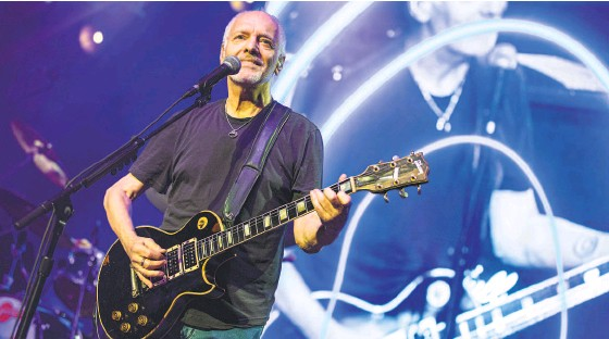 ?? Daniel Knighton / Getty Images 2019 ?? Peter Frampton performs in 2019 in San Diego. His new songs were recorded at Frampton's Studio Phenix in Nashville.