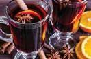 ??  ?? Kryddaðu síkólnandi tilveruna með heitum og krydduðum vínum.
