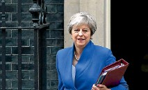 ?? PHOTO: REUTERS ?? Britain's Prime Minister Theresa May is facing calls from within her own party to quit.