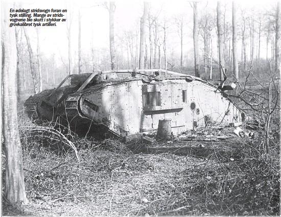 ??  ?? En ødelagt stridsvogn foran en tysk stilling. Mange av stridsvognene ble skutt i stykker av grovkalibret tysk artilleri.