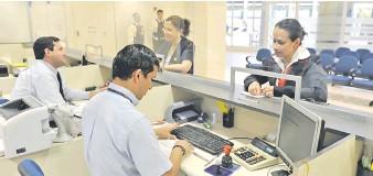 ??  ?? Este nuevo cargo se incorpora al crédito solicitado en algunos bancos y financieras del sistema.