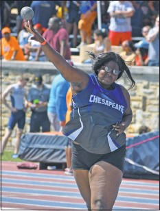 ?? PHOTO BY BILL GATES ?? Makayla Davis of Chesapeake won county and region title in the shotput and discus.