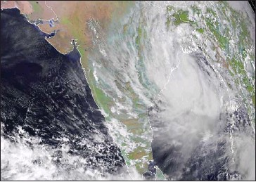 ?? RAMMB/CIRA/AFP ?? Cyclone Yaas approaches in the Bay of Bengal on Tuesday.